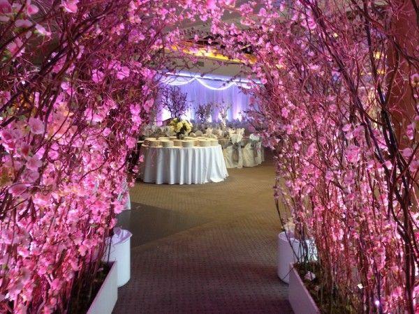 ورودی تالار عروسی    ظروف و شمعدانی تالاری   تجهیزات تالار سمیعی